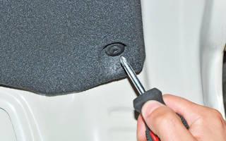 Как снять обшивку крышки багажника
