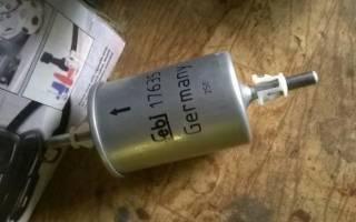 Опель астра топливный фильтр где стоит