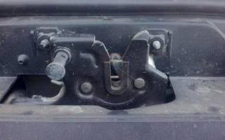 Как открыть капот если порвался тросик